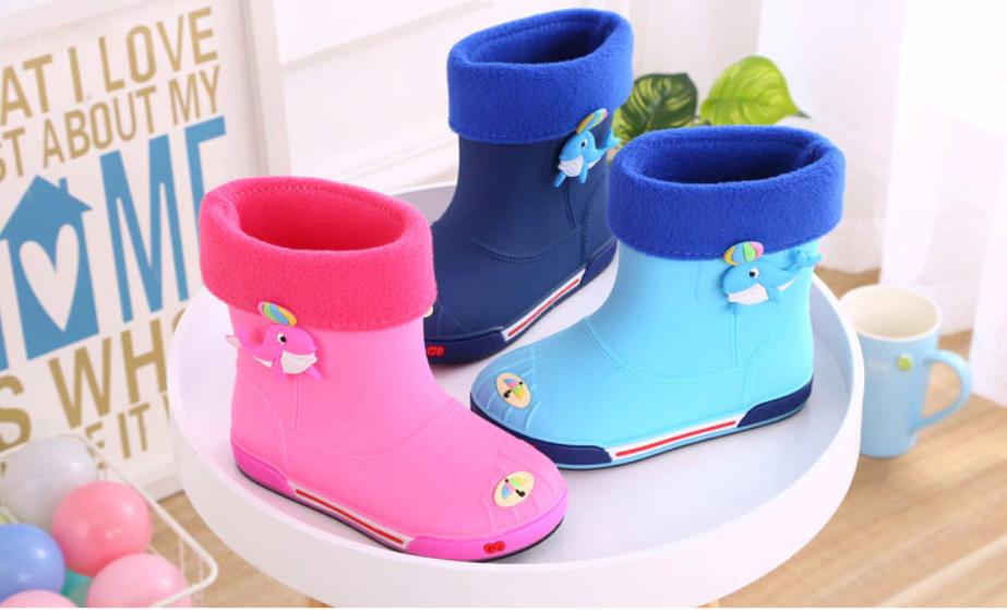 guminiai batai mergaitems