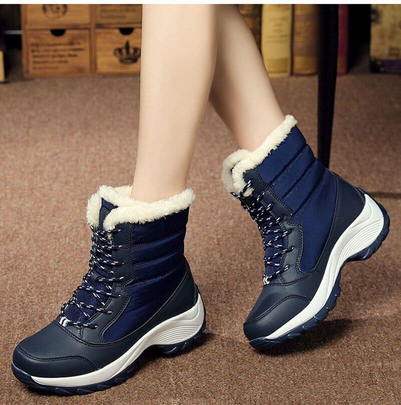 guminiai batai moterims