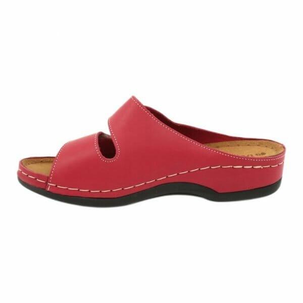 moteriskos odines slepetes raudonos spalvos