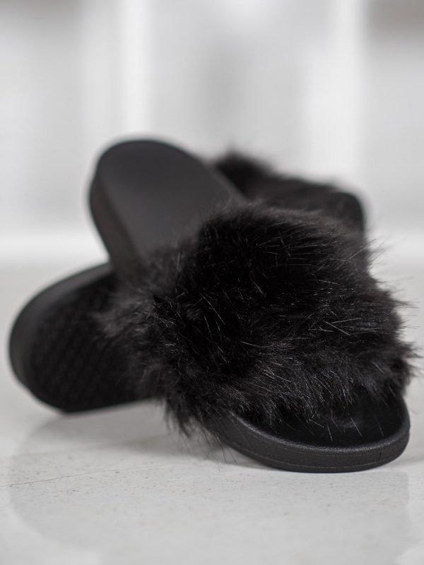 """Moteriškos juodos šlepetės """"Fur"""""""